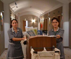 Εργαζόμενες γυναίκες στον τουρισμό.<br>Σας ευχαριστούμε!